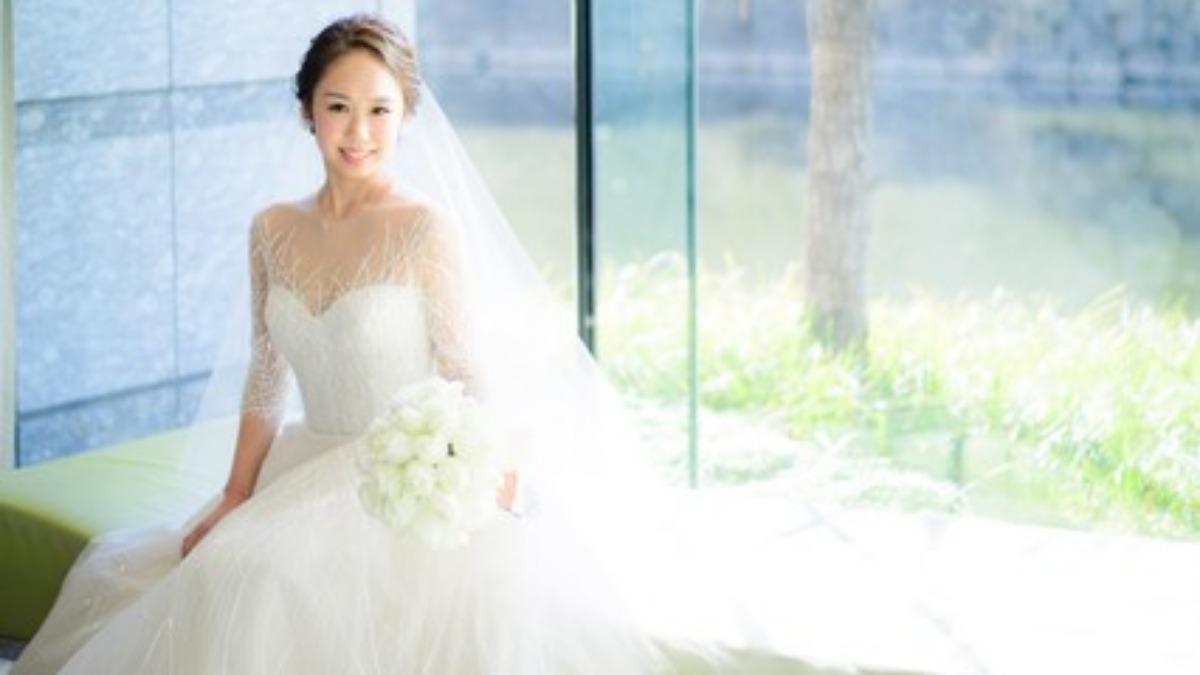 結婚式 ドレス 大人っぽい