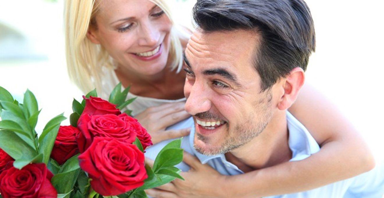恥ずかしがらずに記念写真を。結婚記念日に妻が夫にしてもらいたいこと