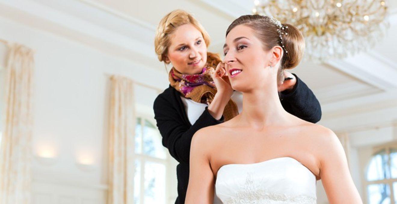 ミディアムヘアの花嫁にオススメな5つのヘアアレンジ