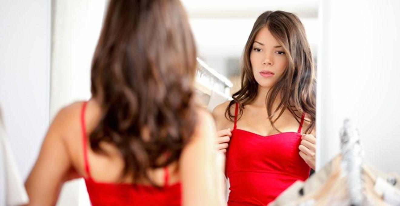 女性ゲスト向け:レストランウェディングに参列するときの服装マナー