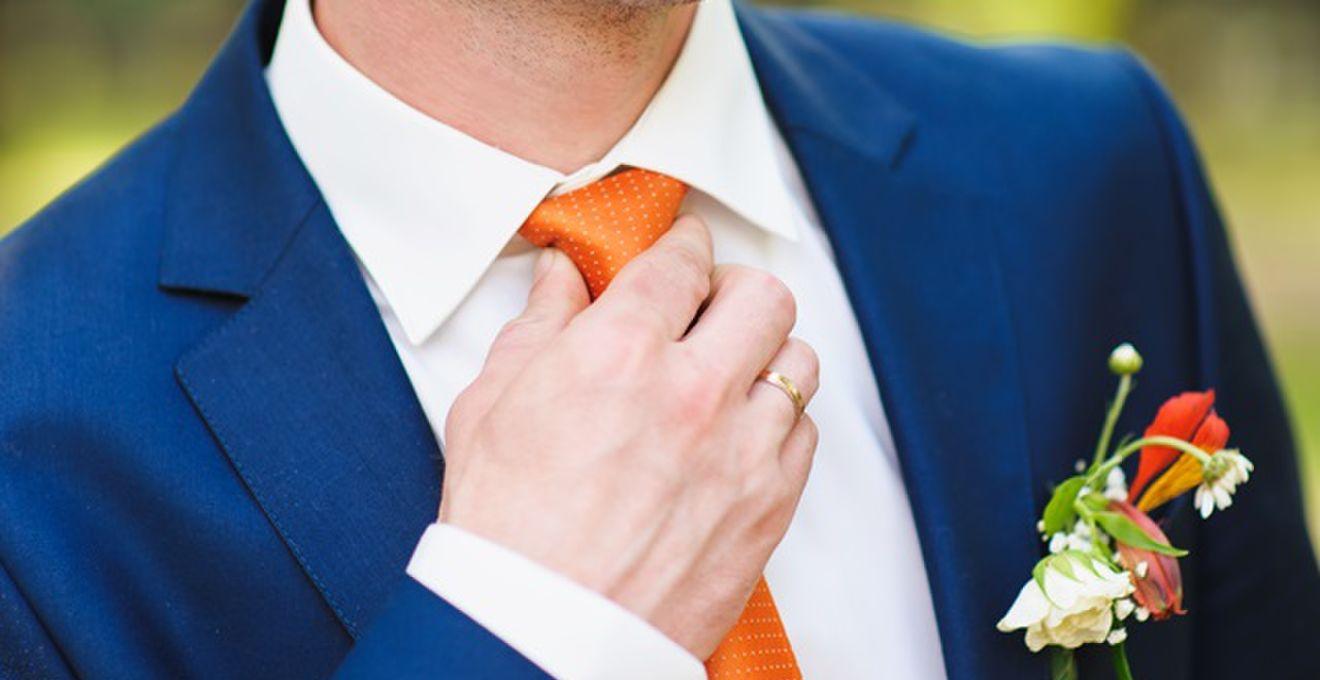 結婚式の男性ゲスト必見!スーツをおしゃれに着こなす小物アイテム