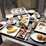 コース仕立ての朝食