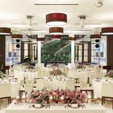 バンケット「アリー」 デザイナーズレストランをイメージして作られたバンケット。 最大120名様までご案内可能です。