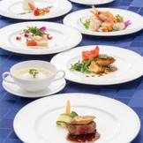 和・洋・中のシェフが創り上げた婚礼料理の特別コース。おひとり様17,000円