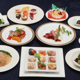 幅広い年齢層から人気の和洋折衷料理。 リニューアルしたばかり♪料理長自慢のお料理で大切なゲストをおもてなし♪