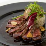 和風創作料理!最初から最後までお箸で召し上がれるようお肉は最初からカットさせて頂いております!