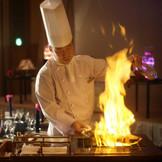 披露宴の中で行われるお料理の演出は必見!お料理を五感で楽しめます
