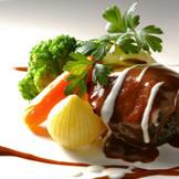 食材から選び抜いた料理の数々は、ゲストの皆さんからも大好評