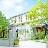 旧伯爵邸のような佇まいと定禅寺通りの緑が溢れる《特別迎賓館》。