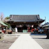 「浅草神社」観光も楽しめる立地が魅力です。350年たった現在も当時の面影をそのままに。国の重要文化財に指定された社殿での挙式は、極美な結婚式を。