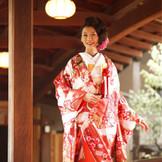 近隣神社22社よりおふたりに合った神社をご紹介いたします。※写真は湯島天満宮