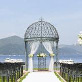 ガーデンチャペル 芦ノ湖を目の前にした開放感あるリゾートウエディング