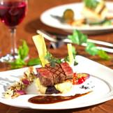【料理】肉料理には素材にこだわったA5ランクの和牛を使用。おもてなしの気持ちを料理で伝えられるのがレストランウエディングの魅力!