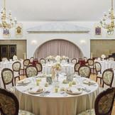 王妃たちが楽しんだ宮殿の雰囲気を再現したパーティ会場「タリスマン」