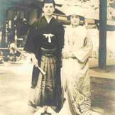 古今、和装の結婚式は時代を問わず継承されています 画像は約50年前の挙式の様子です