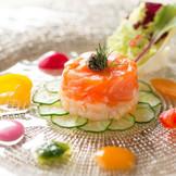 彩り鮮やかなコース料理。見た目も味も大満足♪毎週末の無料試食会でお試し下さい!