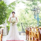 緑豊かな内庭のチャペル。 まるで高原で結婚式をしているような不思議な空間。