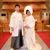 【神 殿】地元の本所総鎮守「牛嶋神社」の神主が司る厳かな 神前式ができます。