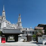 日本の誇る建築様式と西洋の新しく憧れる建築様式を一望できる外観
