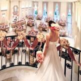 シンデレラ階段からの入場が人気