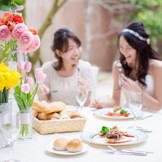 ガーデンで過ごすひとときも特別なものに★ 青空の下で楽しい時間を過ごしませんか?新婦様も新郎様も一緒に楽しめる★ ゲスト参加型の演出空間をサポート★ ガーデン演出体験が出来るフェアも ご用意しております!実際に体感して結婚式のイメージを膨らまそう♪