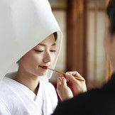 「紅しずめ」お母様から娘様へ、愛を証明する日本ならではの儀式。「神戸」「北野」で「和婚」なら「神戸北野ハンター迎賓館」へ。