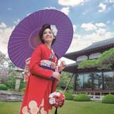 壮大な日本庭園での演出は無限大! お写真撮影から、舞子ホテルオリジナルの演出などご用意しております。