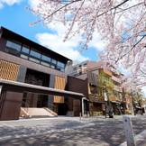 京の風情と洗練された雰囲気が融合された外観。