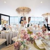 かわいらしい雰囲気もおしゃれな雰囲気もどちらでも似合う★オープンキッチン×ガーデン付きの11階披露宴会場『クレール・ドゥ・リュンヌ』。