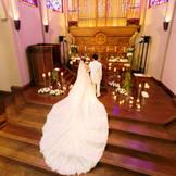 結婚式は特別な一日 愛の誓いは特別な場所で