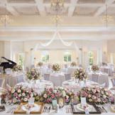 花嫁が一番かわいく見えるキラキラした空間。憧れの世界で過ごす1日、笑顔も満開に!