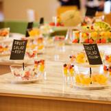 【フルーツサラダ】 披露宴中好きな時にとりにいける カジュアルな結婚式におすすめ
