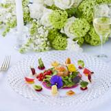 おふたりの想いを込めたひと皿でオンリーワンの祝宴に華を添えます