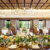 レストランバンケット 20名~60名までのご披露宴が可能 小さなプライベートガーデンも人気の演出となるアットホームな空間