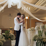 【挙式会場】 挙式会場の中の装飾もオリジナルで!挙式会場にもお二人らしさを表現できる。