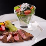 肉料理 コースによりお肉をメインにお召し上がりいただくこともできます。