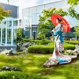 日本庭園の雰囲気に合わせ、和装スタイルのセレモニーも叶う
