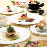 幅広い世代に愛される和洋中折衷の料理・・・ゲストへの「おもてなし」。