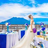 桜島と青空の下で盛大におふたりのご希望に合ったご披露宴を。