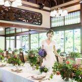 淀川邸「紹鴎の間」。60名様までのご披露宴をお考えの方に人気の会場。会場専用のおテラスで記念撮影やデザートブッフェもも可能