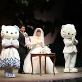 キティちゃん、ダニエルくんと結婚式