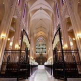 【ノートルダム大聖堂】重厚な空気感で満たされた舞台で永遠の誓いを