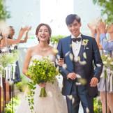 チャペル式「ラピス」は、親への感謝を伝えられると人気。模擬挙式を見て「私も!」と希望する花嫁も多い