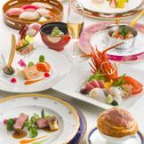 地元食材にこだわったコース料理「ブリリアント」は年齢層幅広く好評をいただいております♪特に静岡そだち牛のグリエと鮪と駿河湾の幸の握り寿司は大人気☆