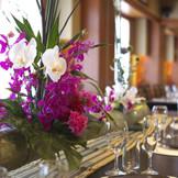 和座敷にイステーブルの室礼