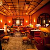 アールヌーボー調なBarラウンジ。 ゲストのウェイティングルームやアフターパーティーでより一層華やかに!