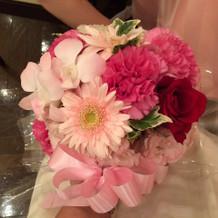 ゲストは披露宴会場のお花を頂けました