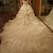 レンタルウェディングドレス