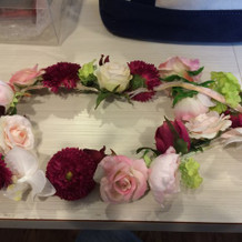 ドレスにあった花冠を作ってもらいました。