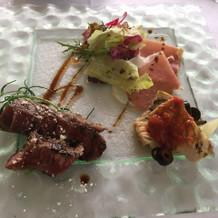 お肉、魚料理の試食